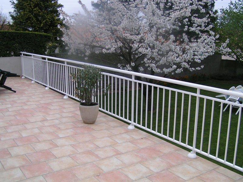 pose de barrière de protection terrasse blanche (cholet)
