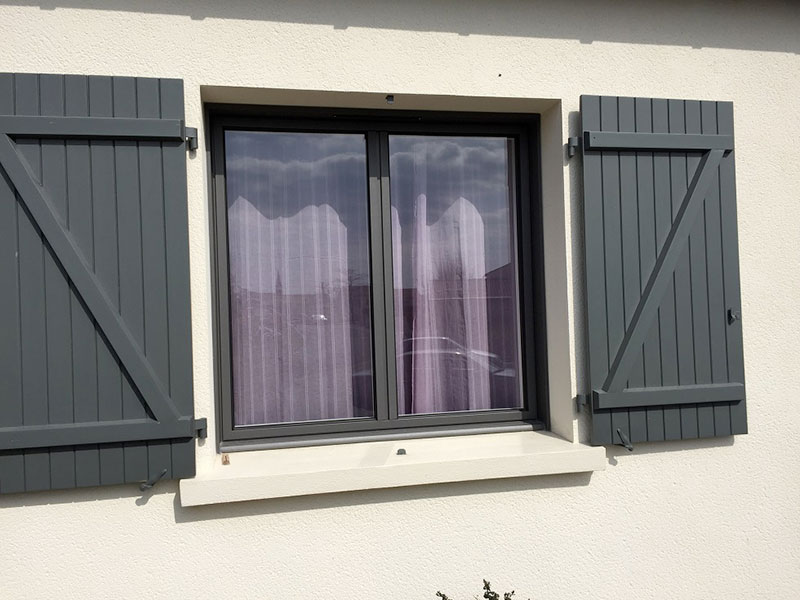 Fenêtre alu et volets battants