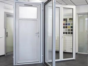 Showroom menuiserie à cholet portes d'entrée , baie ou porte de service alu ou pvc