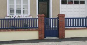 portique bleu - cloture extérieure maison à cholet