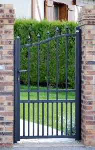 portillon gris antracite avec traverse intermédiaire