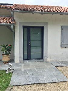 Porte d'entrée vitrée fenêtre