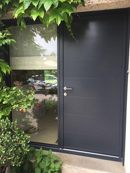 Porte d'entrée vitrée gris alu
